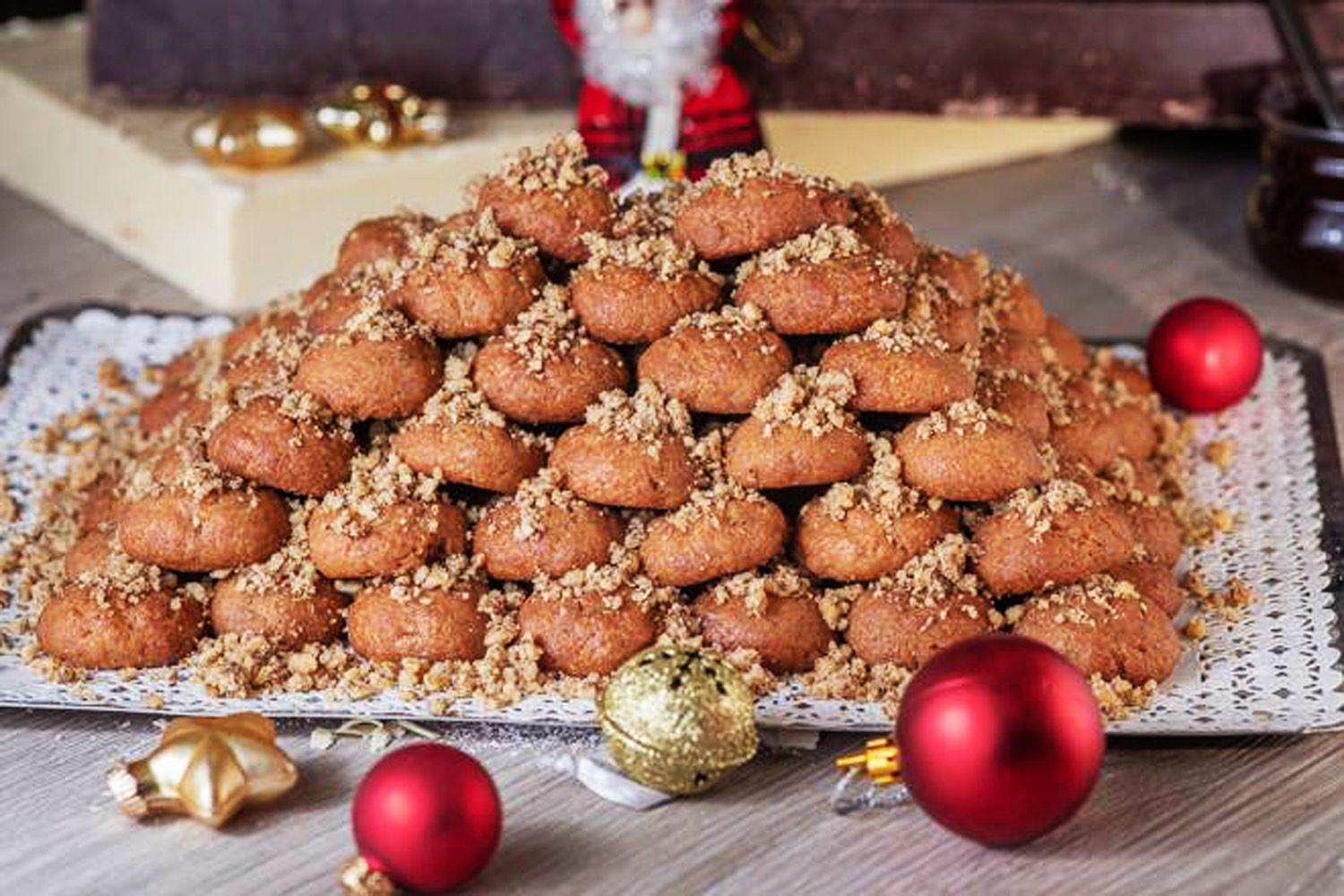 MELOMAKARONA CHRISTMAS WITH AQUILA HOTELS IN CRETE